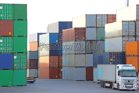 container, port - 14775937