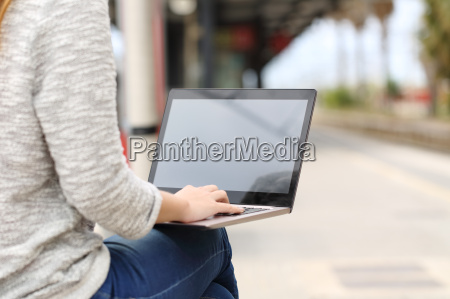 entrepreneur working with a laptop in