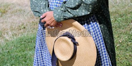 pioneer woman reenactor