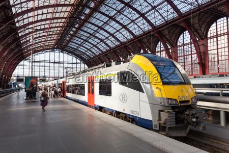 train at the antwerp railway station