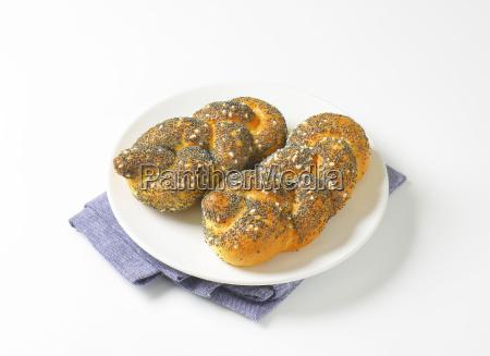braided poppy seed bread rolls