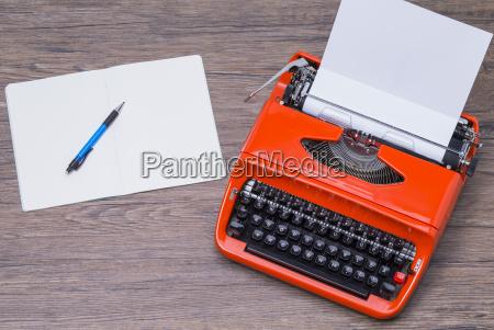 notepad and typewriter