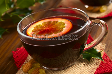 mulled red wine with orange slice