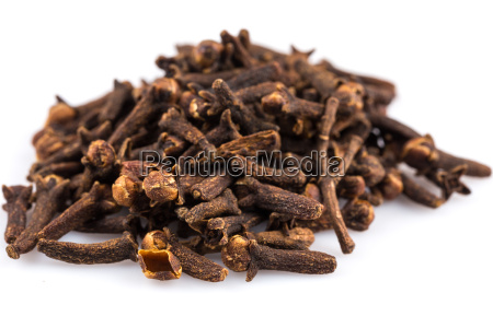 cloves isolated on white background