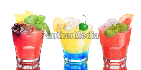 set of summer alcoholic cocktails isolated