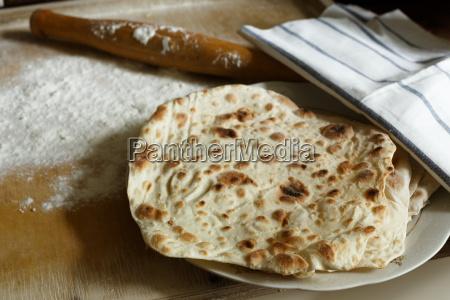 lavash traditional armenian bread