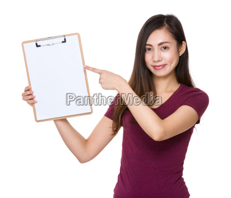 asian, woman, finger, point, to, clipboard - 14932707