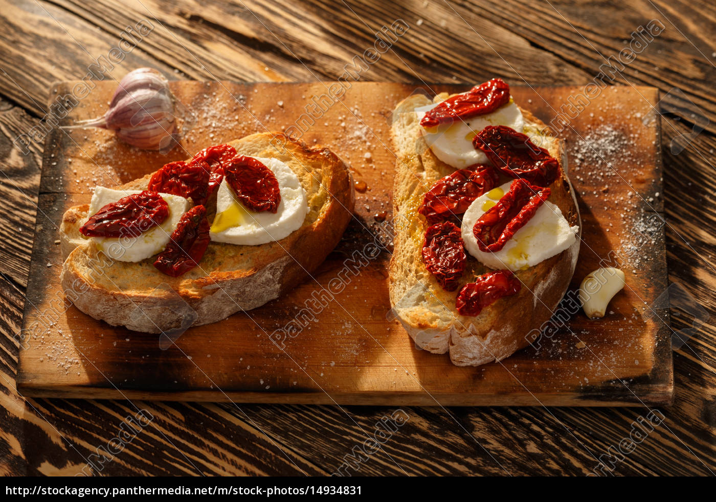 bruschetta, with, mozzarella - 14934831