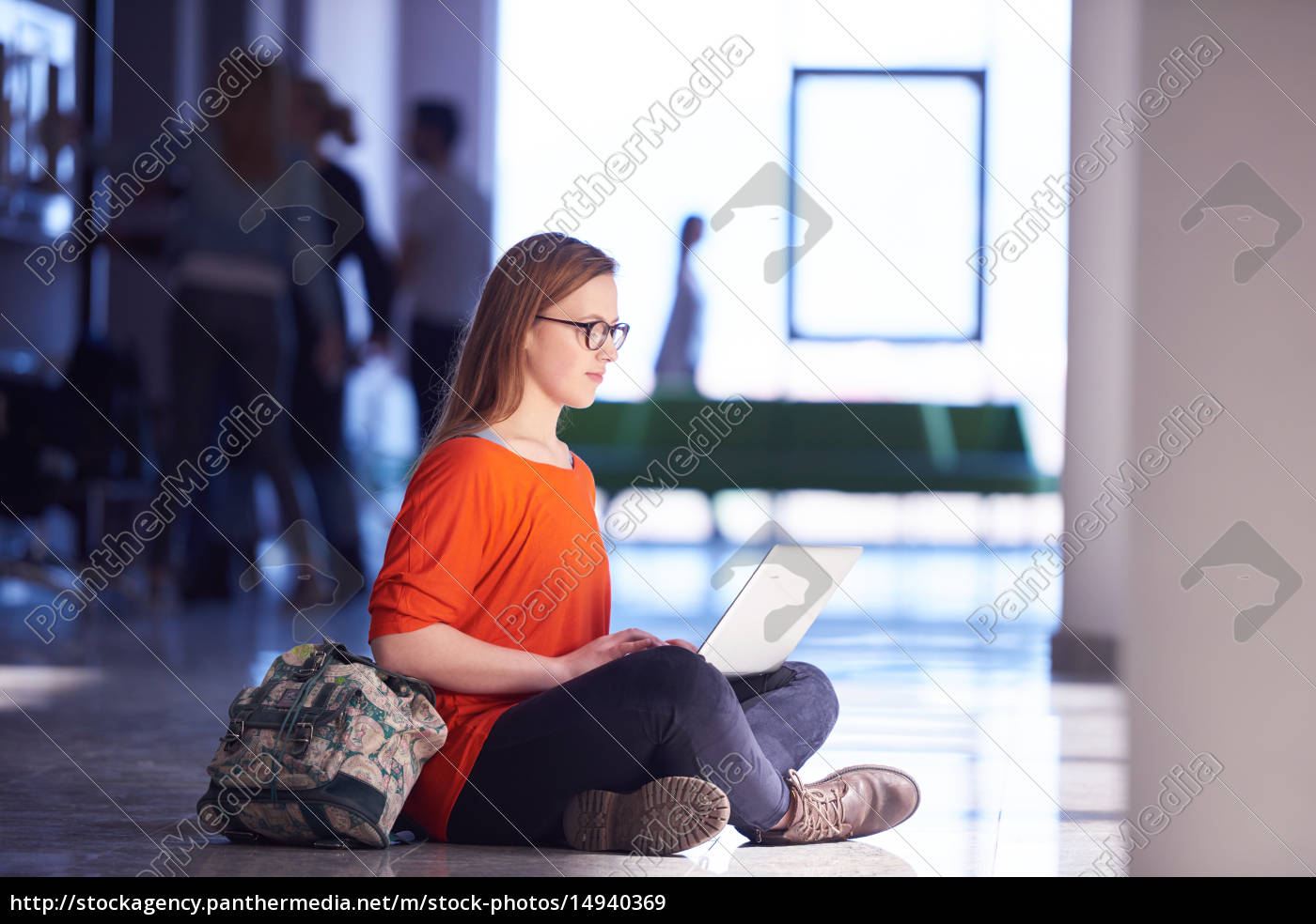 student, girl, with, laptop, computer - 14940369