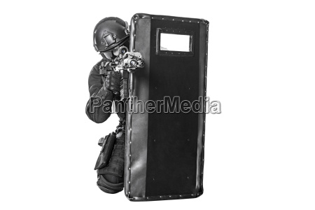 swat, officer, with, ballistic, shield - 14947519