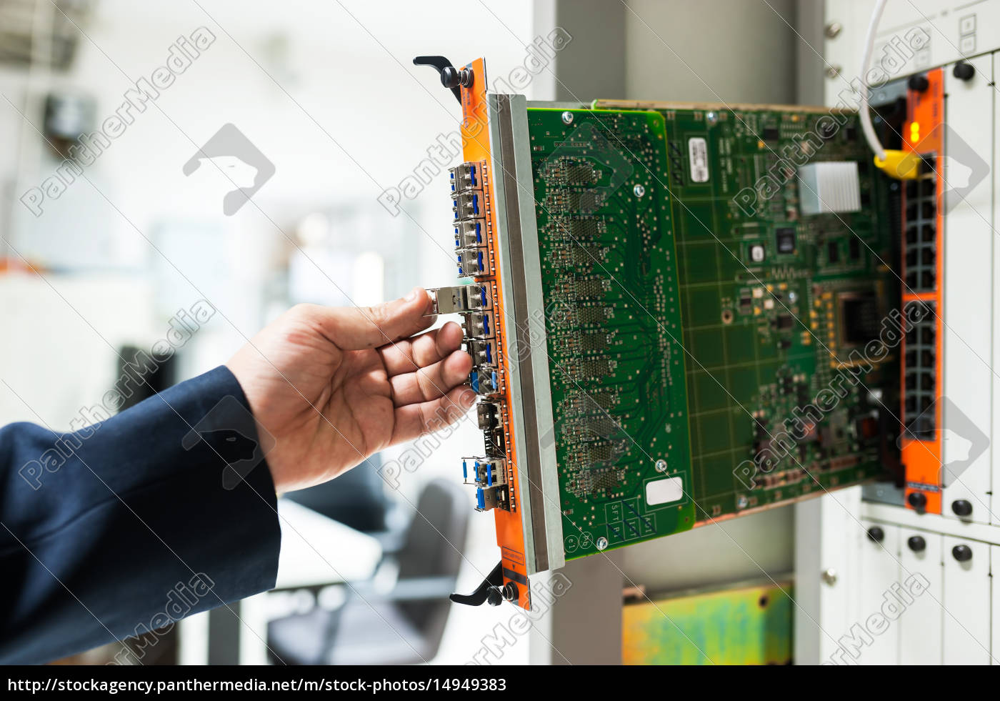 fix, network, switch, in, data, center - 14949383