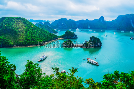 scenic view of islands in halong