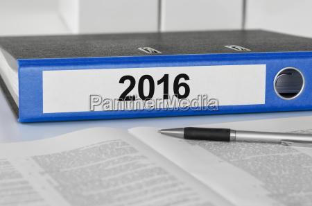 file folders labeled 2016