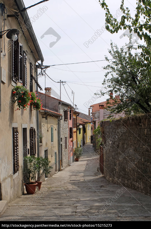 old, town, street, in, buzet - 15215273