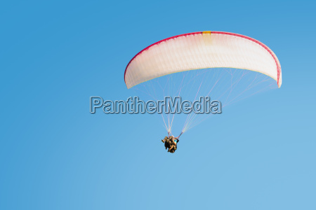 adrenaline impressions and freedom emotions paragliding
