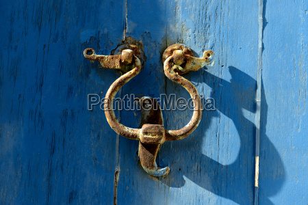 the old door knocker on the