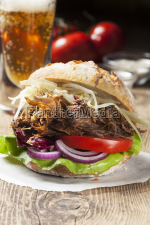 pulled pork in bread
