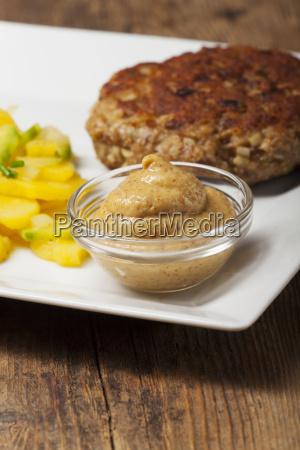 bayerische fleischpflanzerl myth kartoffelsalat