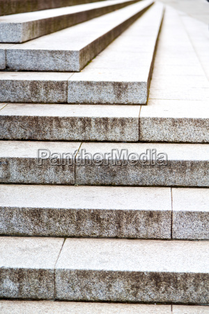 in london steps and marble