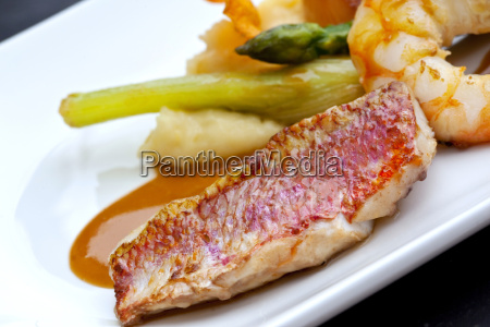 red mullet and vegetable