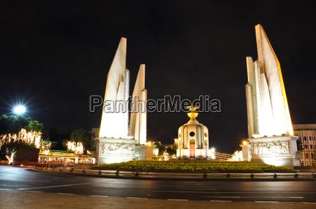 democracy monument at night bangkok thailand