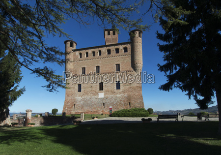 view of the castle of grinzane