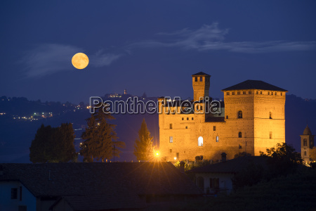 castle of grinzane cavour in nocturnal