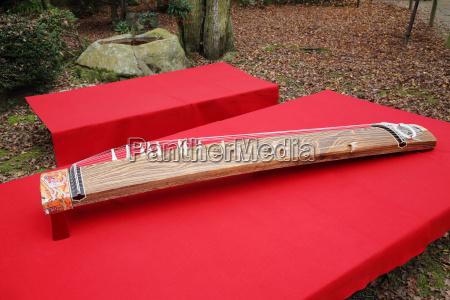 traditional japanese music instrument koto