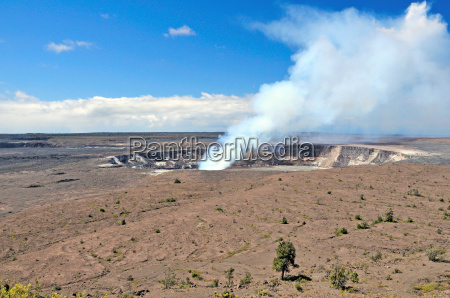 steam from the kilauea crater