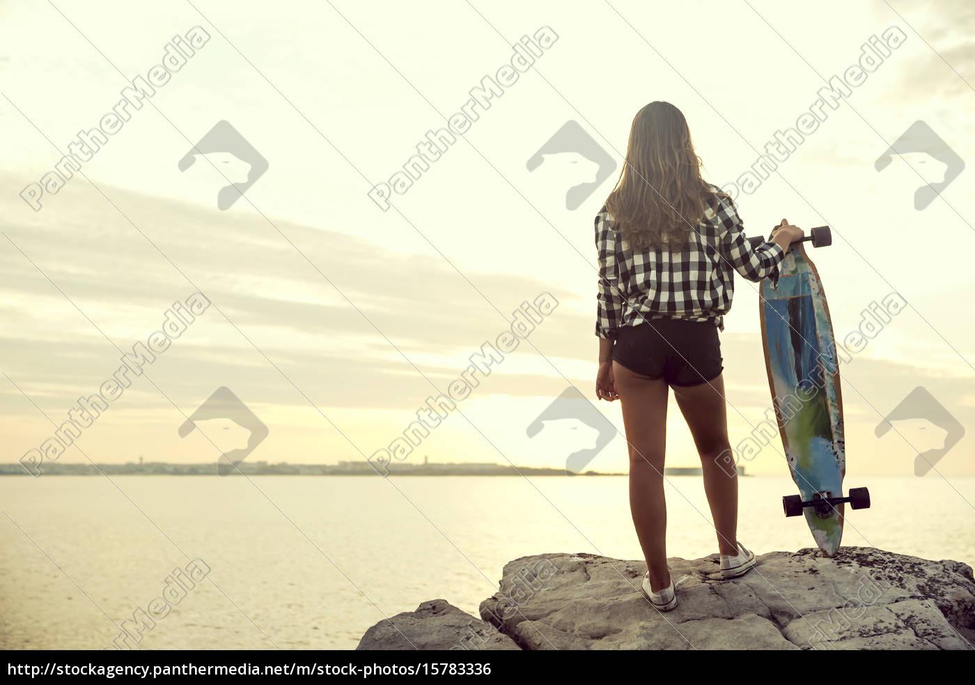 skater, girl - 15783336