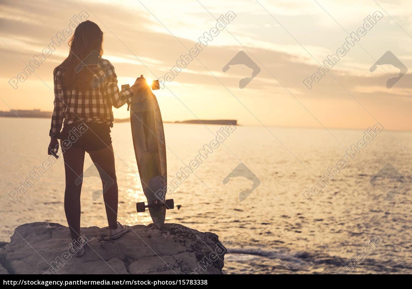 skater, girl - 15783338
