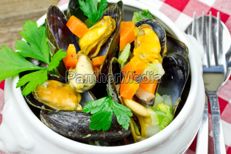 boiled, mussels - 15784804
