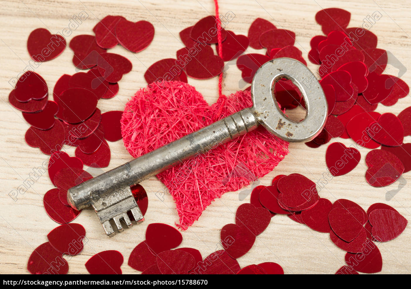 key, with, the, heart, , symbol, of - 15788670