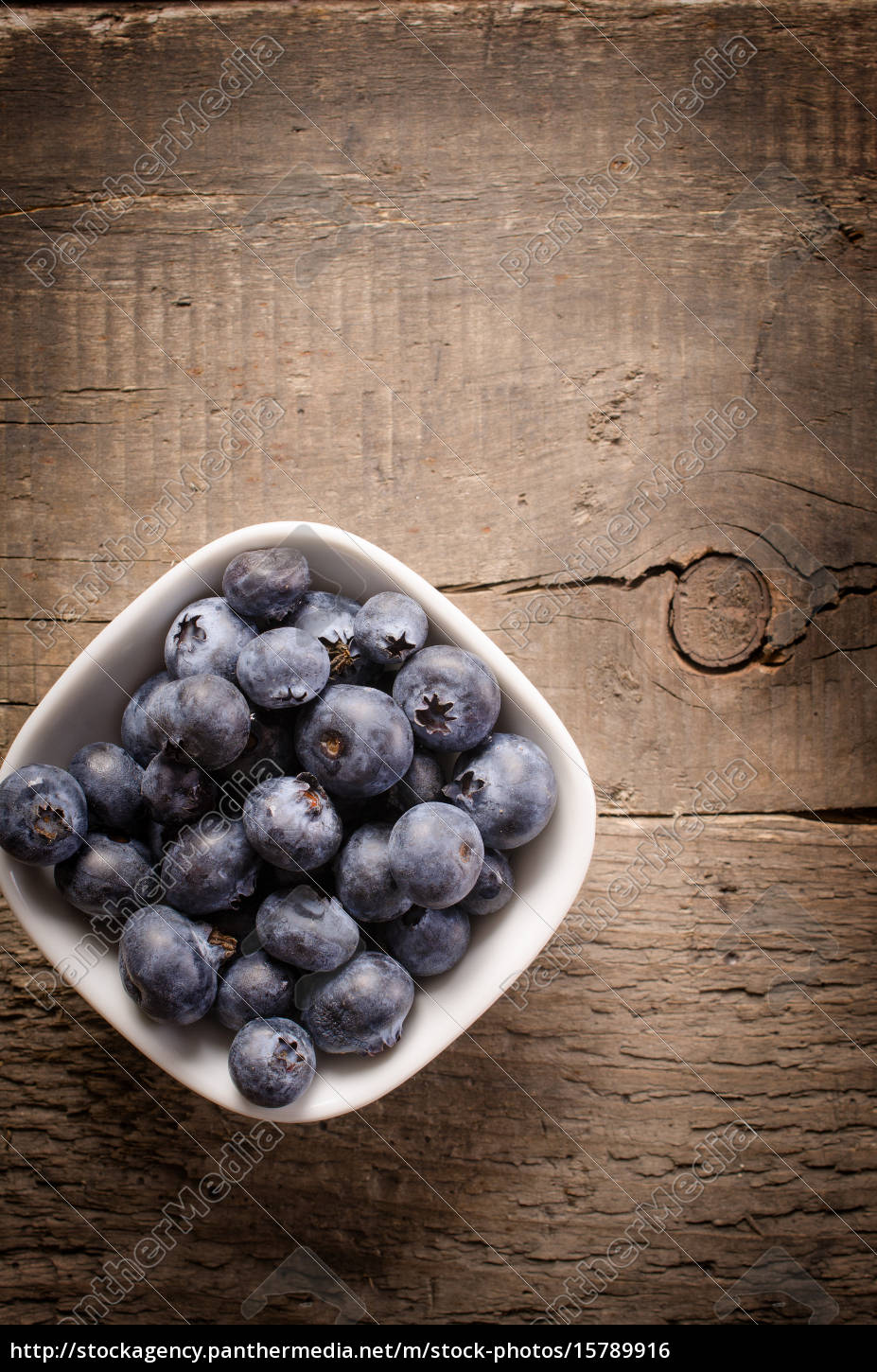 fresh, organic, blueberries - 15789916
