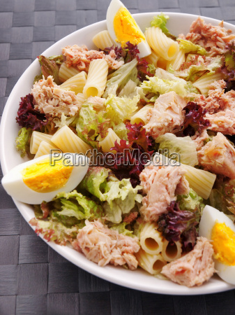 african, tuna, salad, with, tomatos, and - 15792861