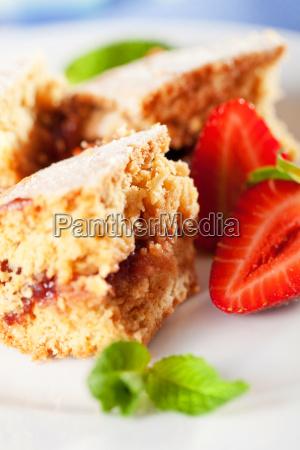 homemade, cake, served, with, strawberries, homemade, cake - 15794957
