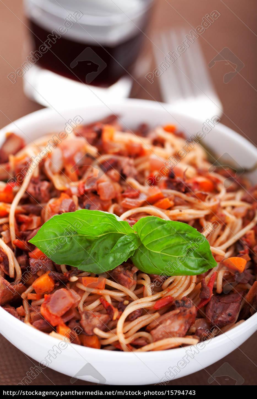 spaghetti, with, rabbit, and, tomatos - 15794743