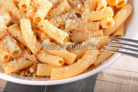 penne, with, tomatos, and, parmesan, cheese, penne - 15795463