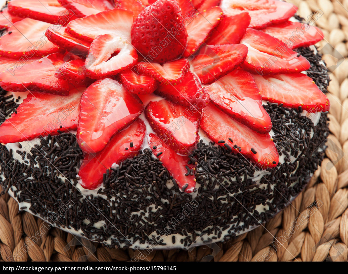 chocolate, cake, with, strawberries, chocolate, cake, with - 15796145