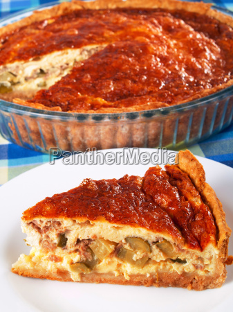 quiche, with, meat, and, cucumbers, quiche, with - 15796005