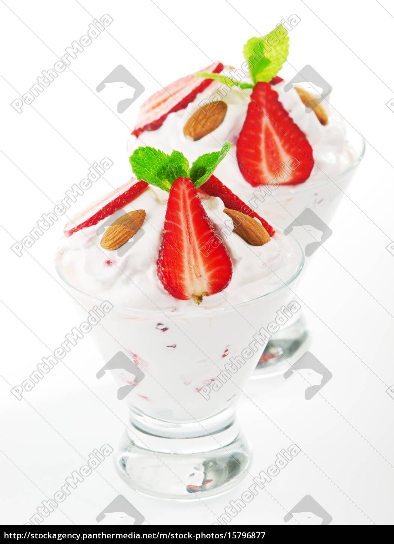 strawberry, cream, strawberry, cream, strawberry, cream, strawberry, cream, strawberry, cream, strawberry - 15796877