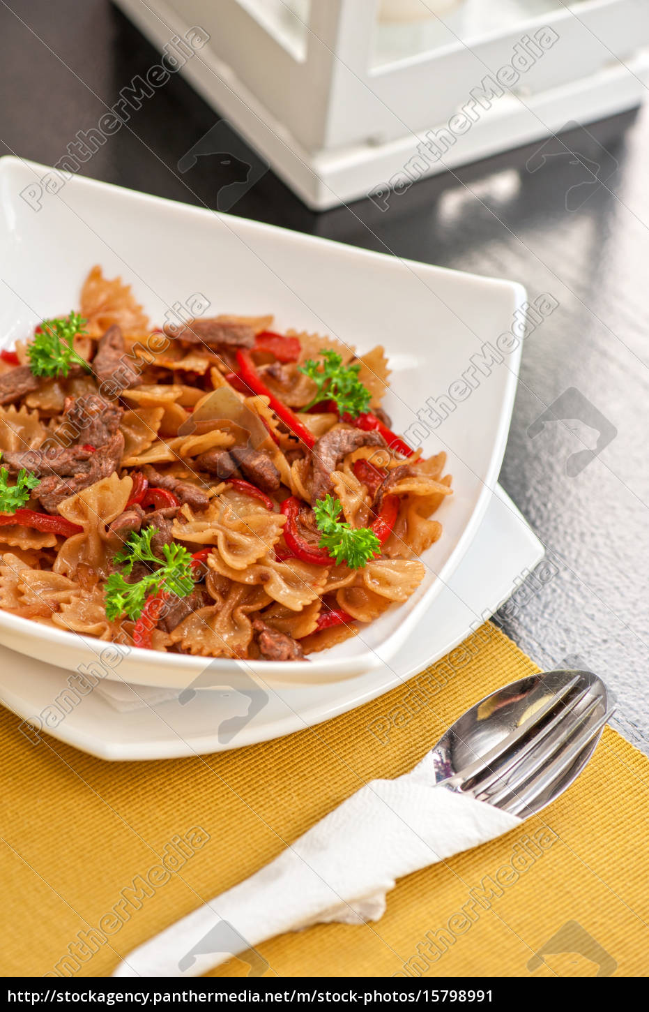 farfalle, with, vegetable, and, beef - 15798991
