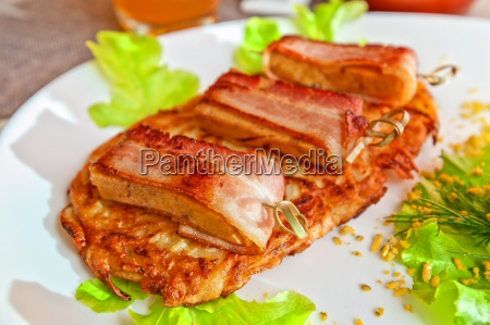 veal, meat, with, bacon - 15798965