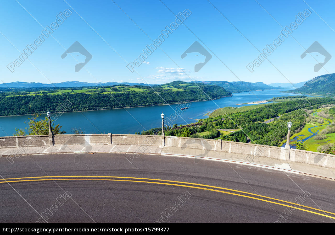 road, and, columbia, river, view - 15799377