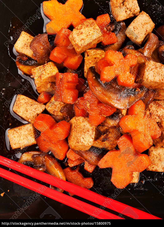 thai, tofu, with, carrots, and, mushrooms, thai - 15800975