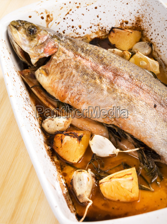 baked, trout, with, garlic, baked, trout, with - 15801401