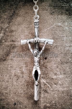 silver cross crucifix