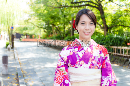 japanese woman wearing traditional japanese dress