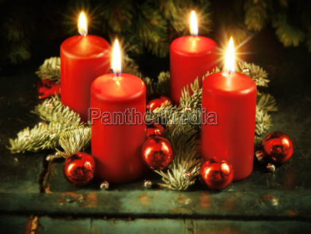 xmas advent wreath with four lighted
