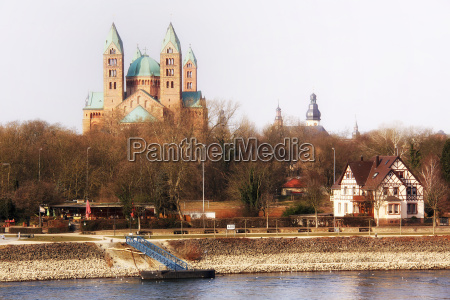 the kaiserdom speyer photographed from the